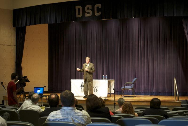 Senator Isakson hosts a town hall meeting in Dalton, Georgia.