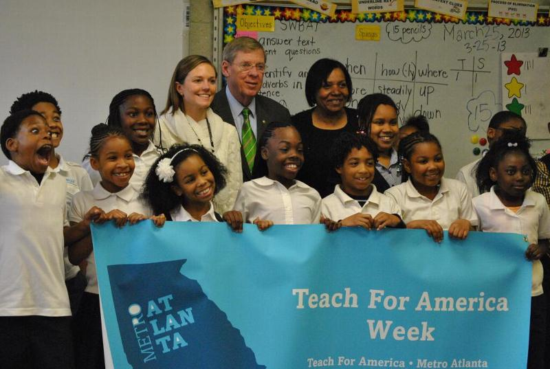 Senator Isakson taught a third-grade class at Gideons Elementary in Atlanta to support Teach for America Week.