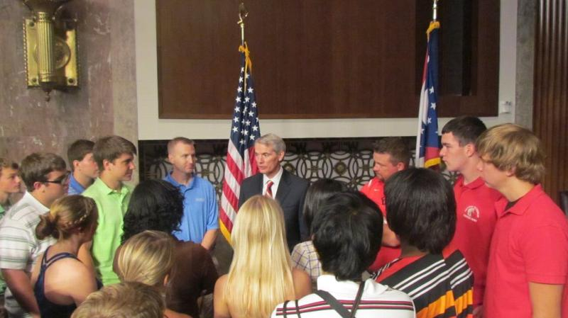 Senator Portman chats with constituents visiting D.C.
