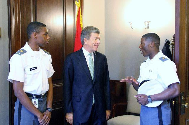 Senator Blunt visits with students from the United States Military Academy at West Point.